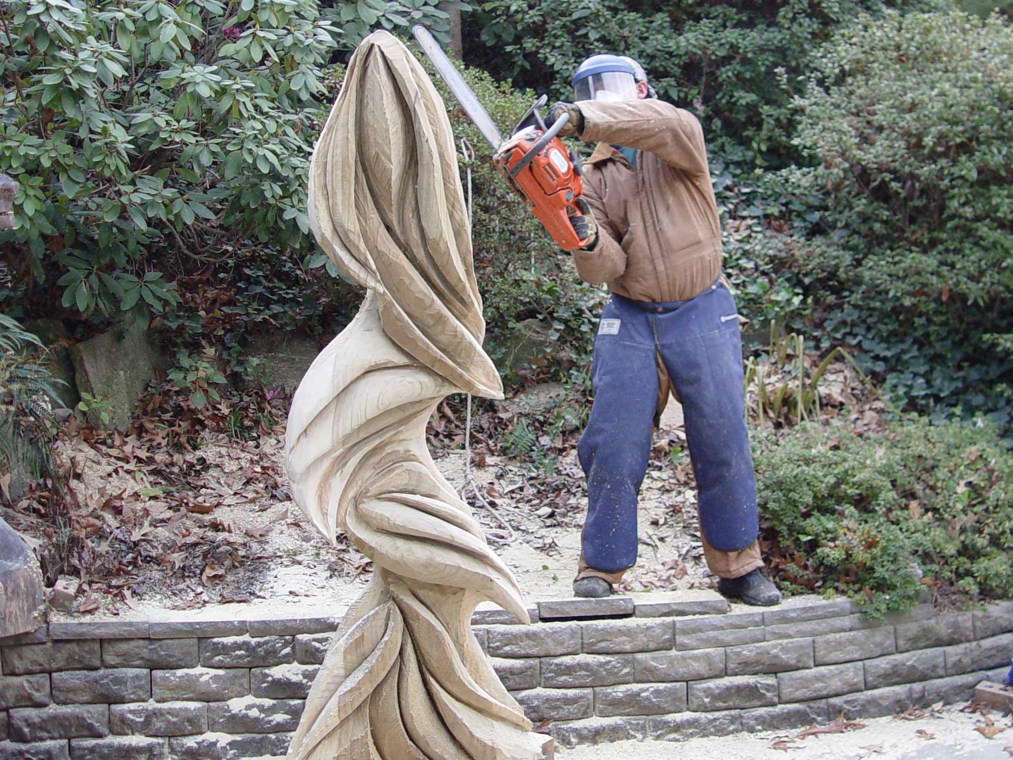 sculpture - Green Woman